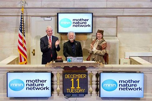 Leavell rings the Closing Bell at the New York Stock Exchange on Dec. 11, 2012, in New York