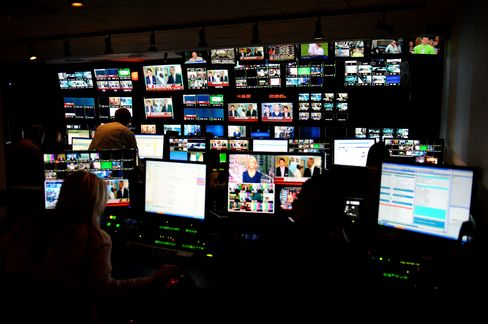 Murdoch-Diller Showdown Threatens to Make Fox Cable-Only