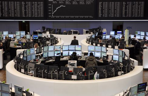 European Stocks Climb, Heading for First Weekly Advance in May