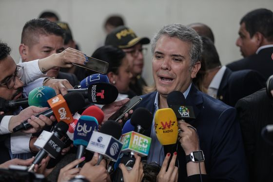 Market-Friendly Rightist Now Favorite to Win Colombia Presidency