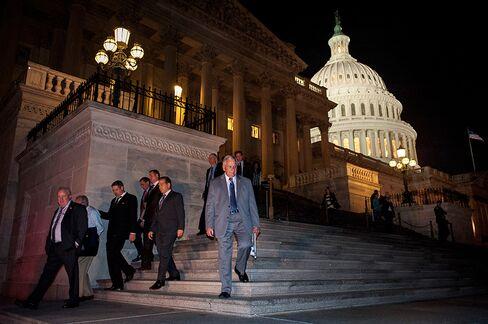 Congress Votes to End Impasse as Obama Set to Sign Tonight