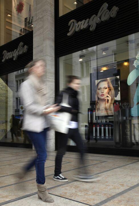 Douglas Said to Be Final Bidder for Sephora's Rival Nocibe