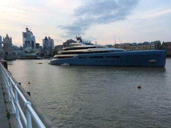 U.K. Tycoon Festoons $257 Million Yacht With Bacon Artwork