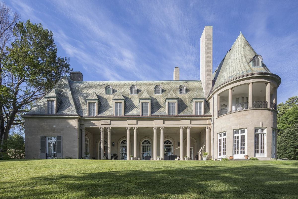 Great Gatsby Mansion Listed For 17 Million By Big