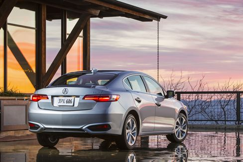 The ILX comes with an (optional) spoiler and side-body panels.