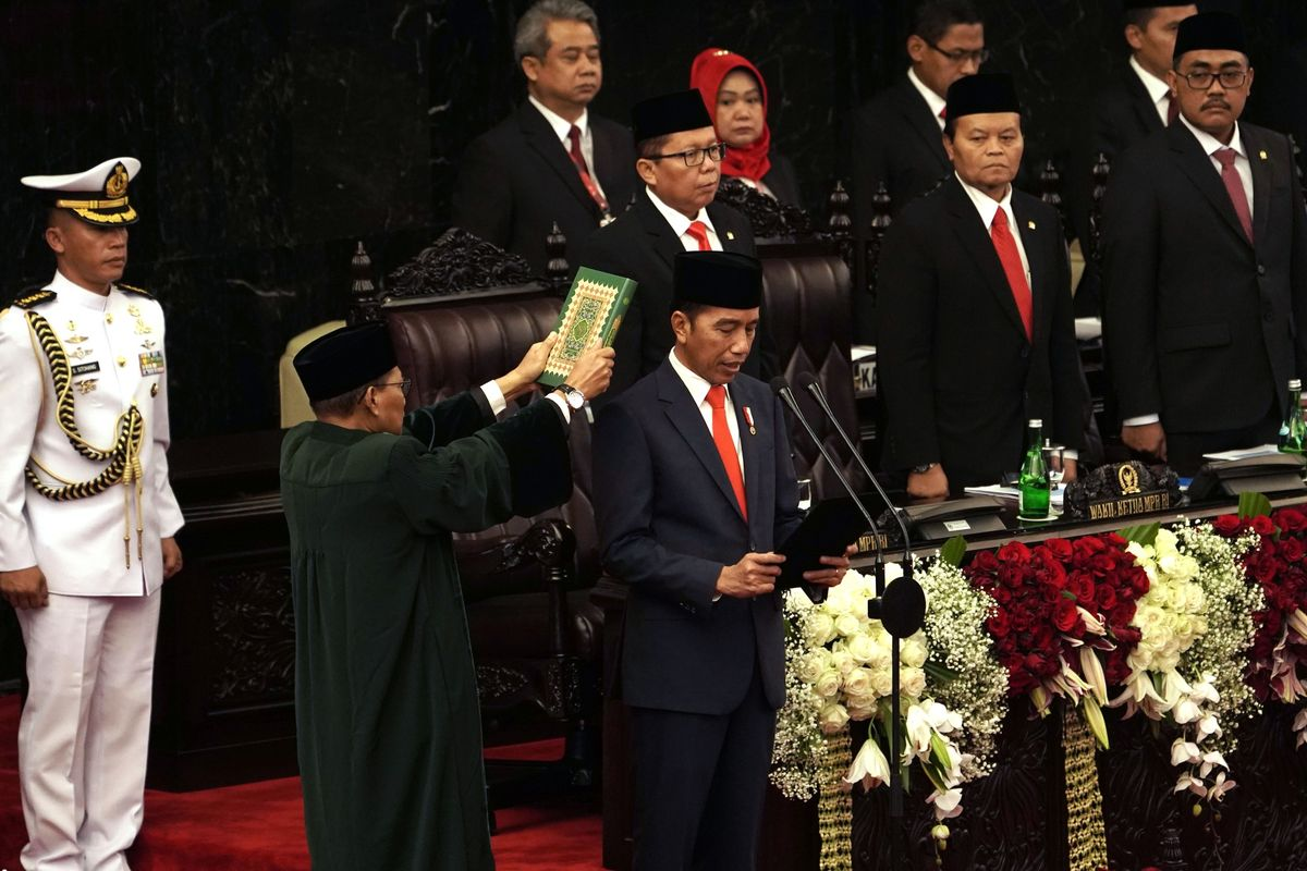 Jokowi Targets $7 Trillion Indonesia Economy With New Cabinet
