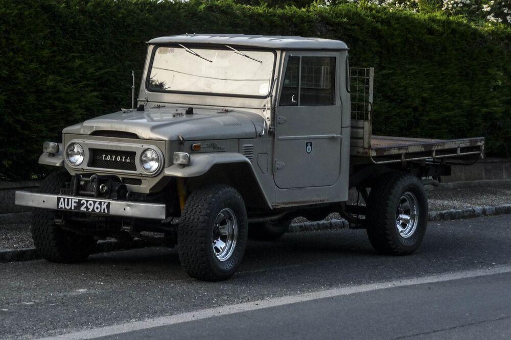 Toyota FJ Land Cruiser: Vintage Prices, Refurbished Models - Bloomberg