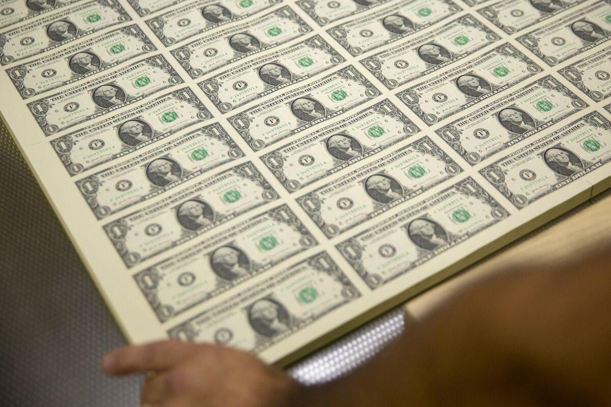 Indian Dollar Bond Rush Seen Unabated Even as Returns Drop