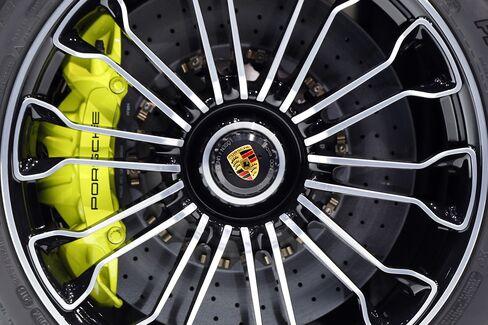 Porsche Bridges Former Communist Divide as Macan Plugs Gap