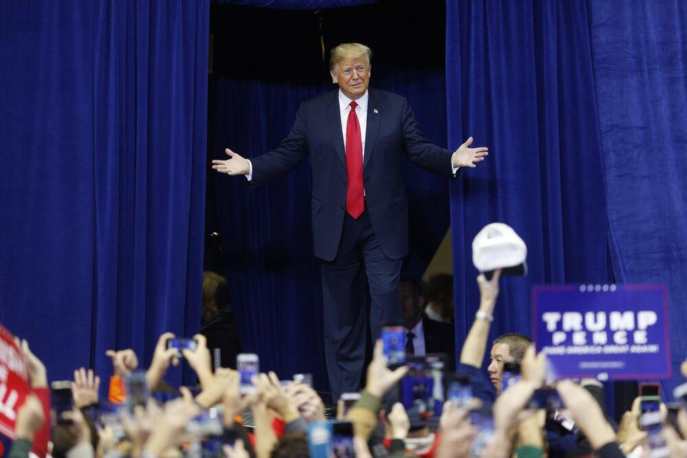 米有権者2億3600万人が下す、トランプ氏への審判ー中間選挙投票開始 ...