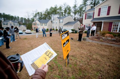 People Are Still Losing Homes Under the Robo-Signing Deal