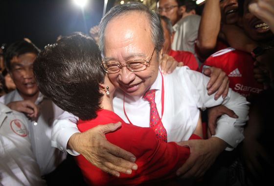 Singapore Politician Who Nearly Was President to Oppose Lee