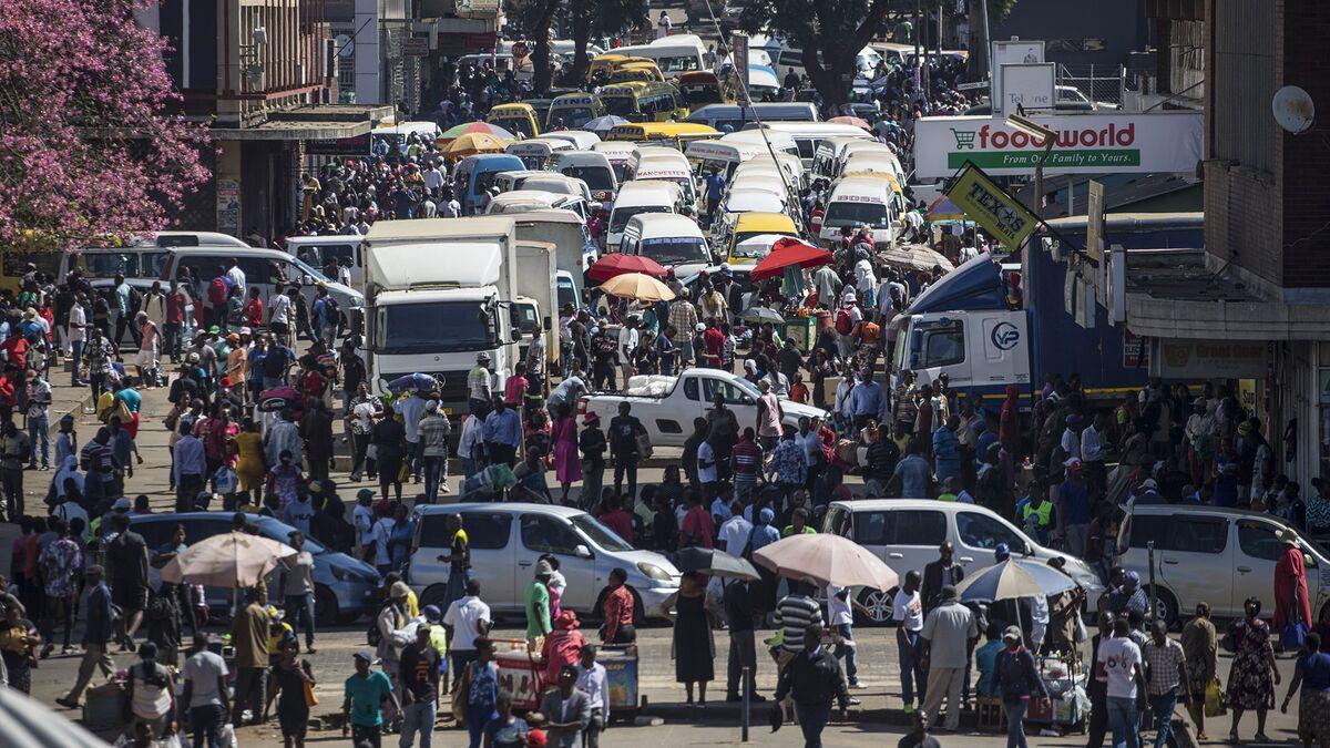 Zimbabwe to Subsidize Public Transport as Inflation Accelerates