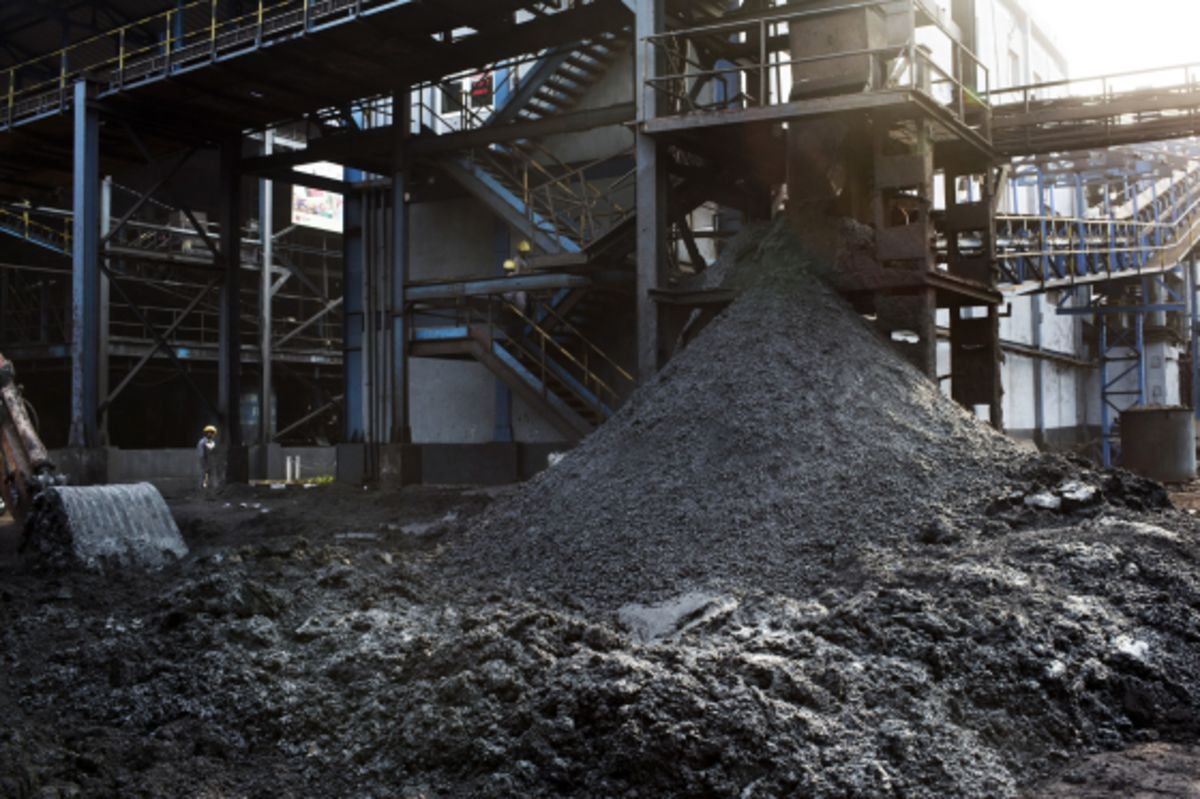 India Can Save $1.2 Billion a Year by Shutting Old Coal Plants