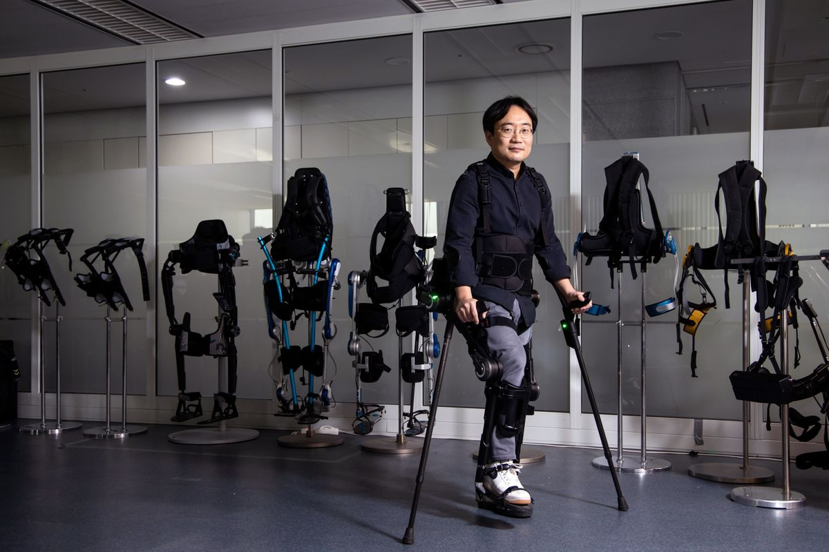 Exoskeleton Suits Turn Car Factory Workers Into Human Robots