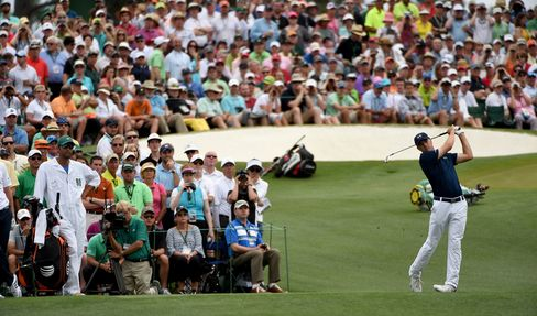 Jordan Spieth on the 3rd tee during the final round of the 2015 Masters.