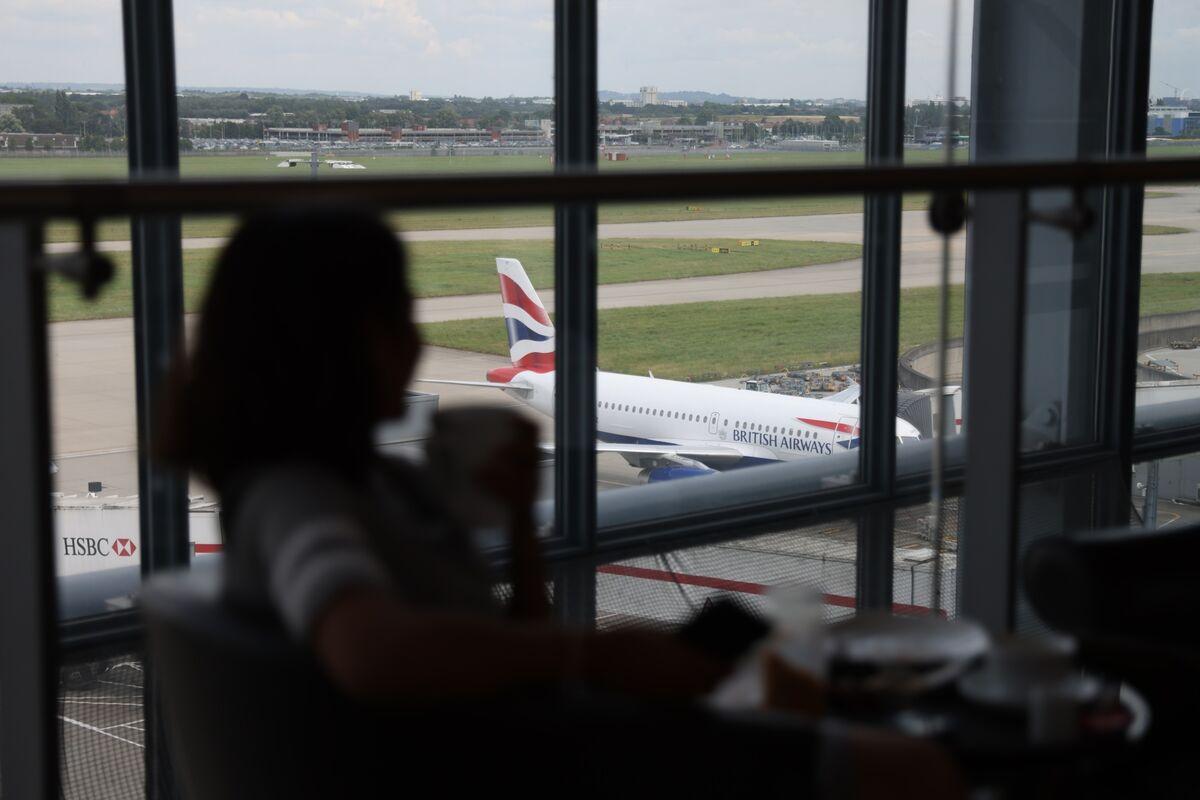 England to Relax Quarantine for Vaccinated U.S., EU Visitors