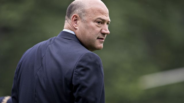 Trump economic adviser quits after dispute over tariffs