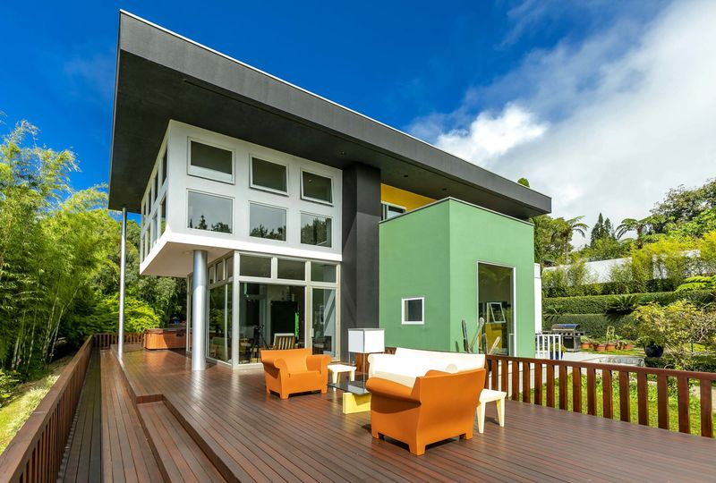 a 9 8 million maui home is memphis design icon bloomberg
