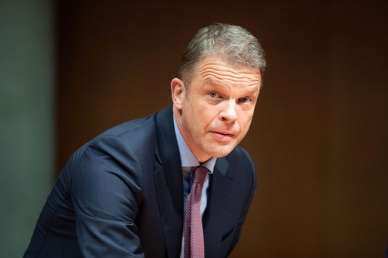 Deutsche Bank's Campelli Leads Race for Investment Bank Role