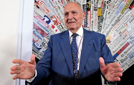 Italy Needs to Diverge From EU Fiscal Parameters, Savona Says