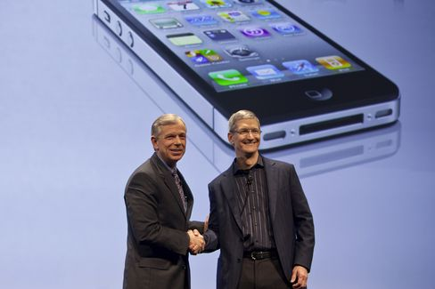 Apple, Verizon Took Years to Overcome IPhone Differences