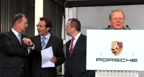 VW APPROVES PORSCHE MERGER