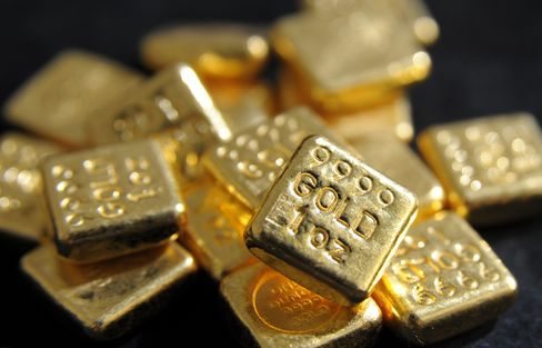 Hedge Funds Boost Gold Bull Bets Most in Two Months