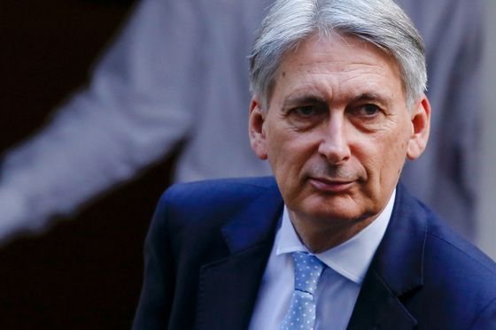 Social Unity More Important Than Brexit Costs, Hammond Says