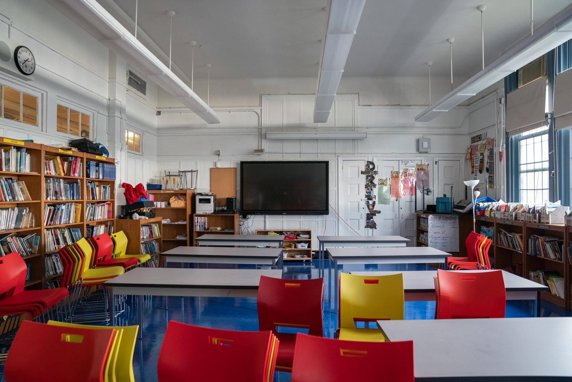 NYC Public School Dapat Mengadakan Kelas Tatap Muka, Menentang Tren