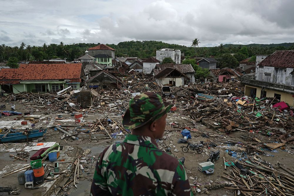 Indonesia Death Toll Hits 429 As False Alarm Tsunami Strikes
