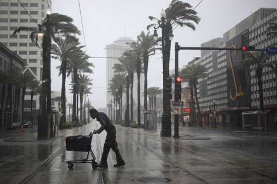 New Orleans Goes Dark as Hurricane Ida Slams into Louisiana