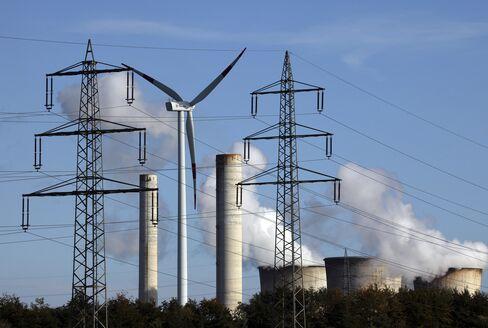 German Power's Longest Slump Squeezes EON, RWE