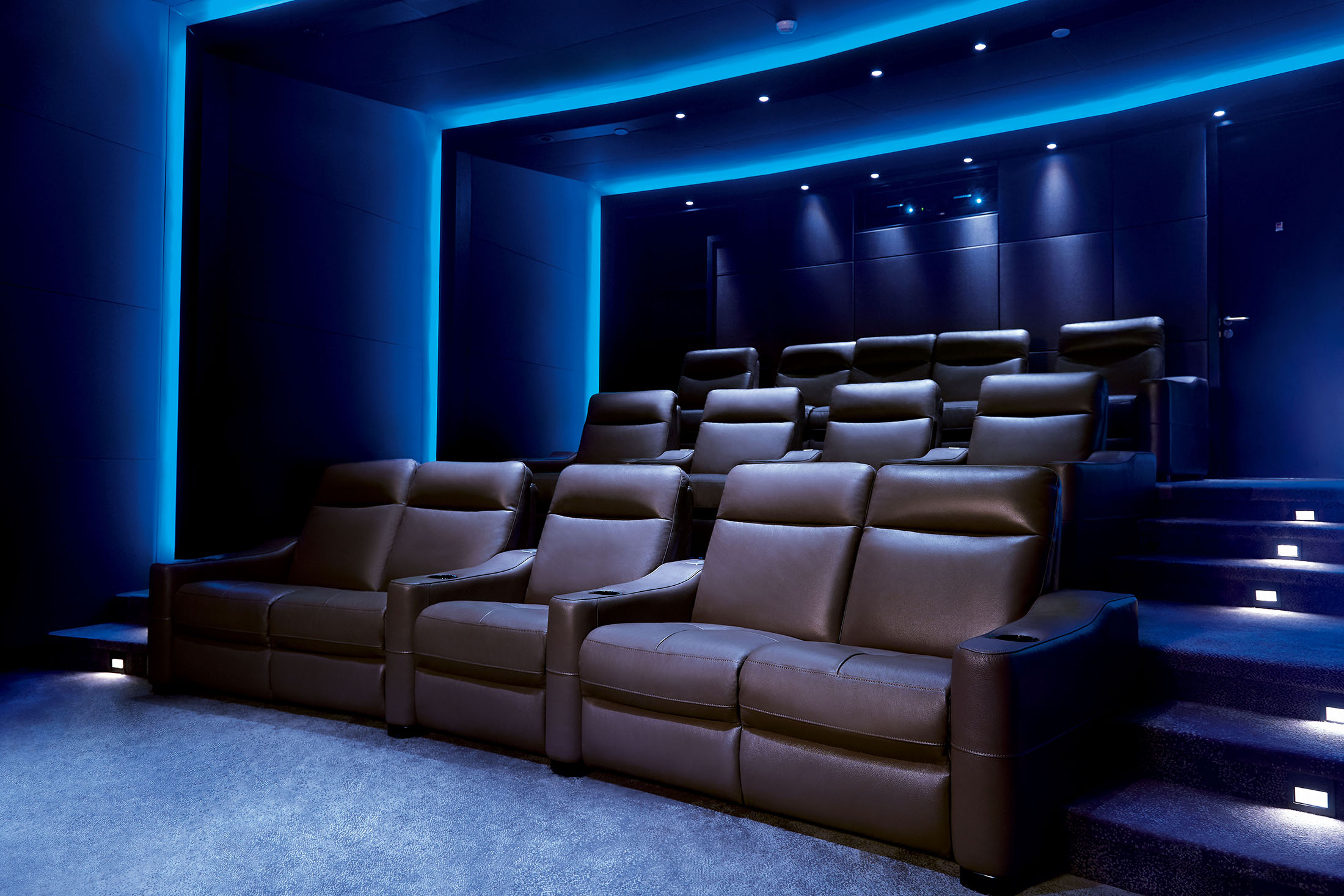 Imax Private Theatre Brings The $1 Million Screening Room Home   Bloomberg Part 96