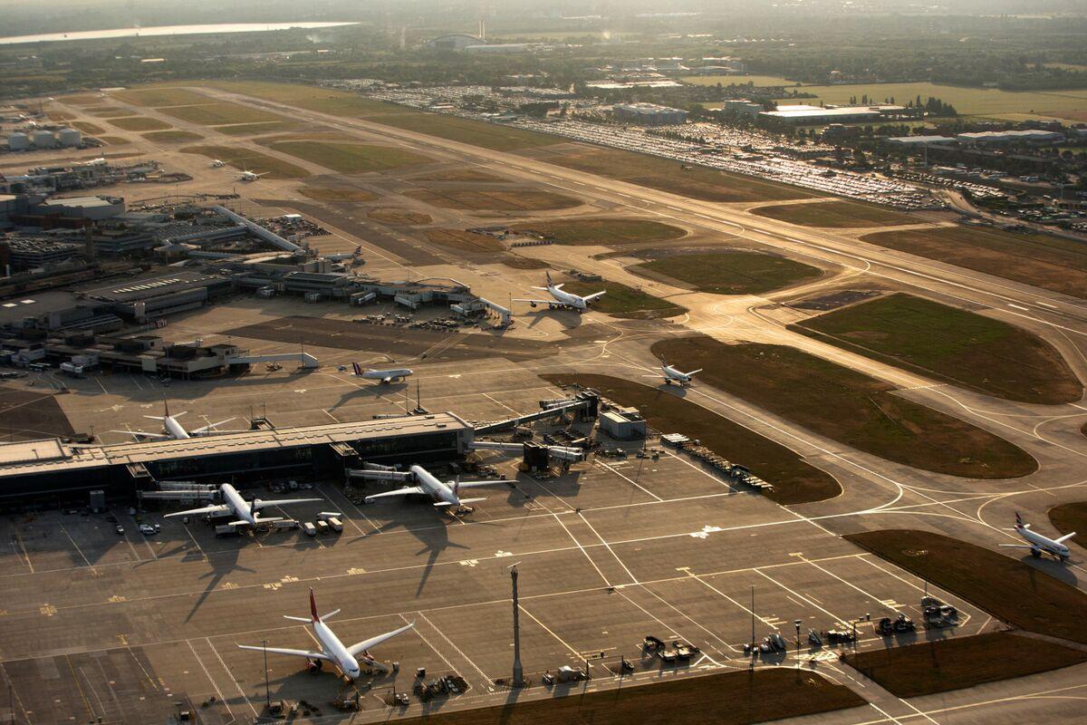 U.K. Aviation Plan Puts Heathrow at Core of Post-Brexit Era