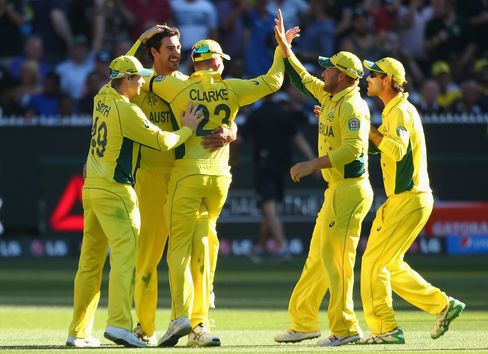Australiacelebratesduring the 2015 ICC Cricket World Cup final match on March 29, 2015.