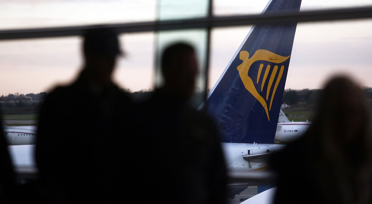 Ryanair Offers to Recognize Unions as First-Ever Strikes Loom
