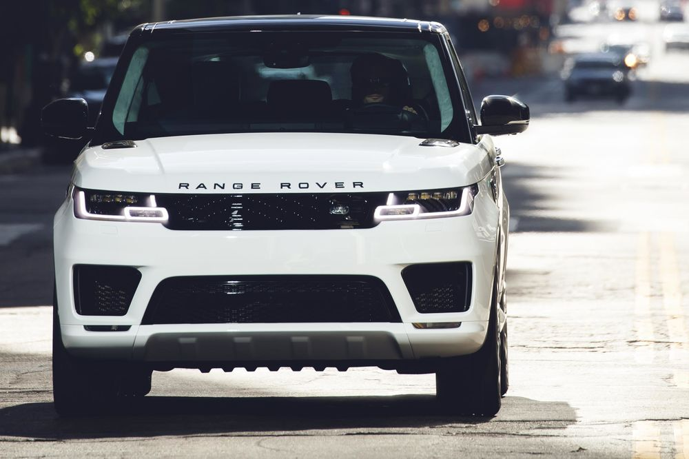 Relates To Range Rover S New Plug In Hybrid Loses Two Cylinders But Gains