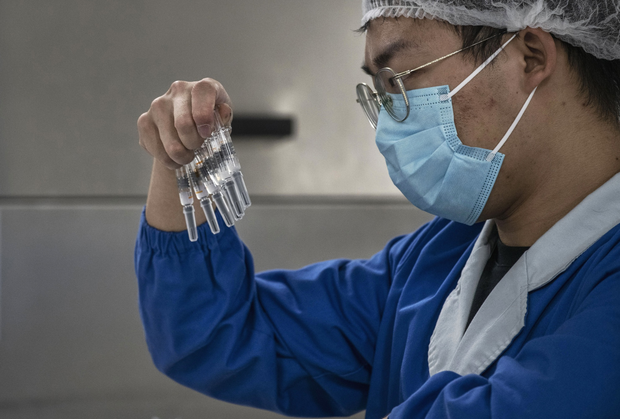 Brazil S Halting Of China Vaccine Baffles Local Researchers Bloomberg
