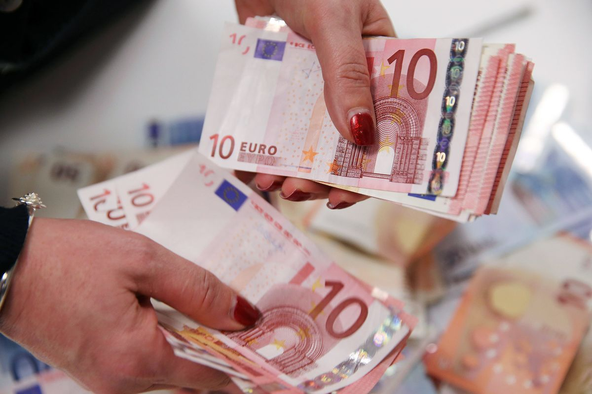 euros decline post no bearing to us economy The ensuing sharp decline in commodity prices threatens the global economy with deflationary pressures reduction in trade china may not be the world's economic engine, but it may very well be.