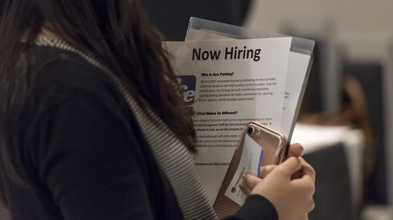 U.S. Initial Jobless Claims Edge Up But Hold Near Pandemic Low