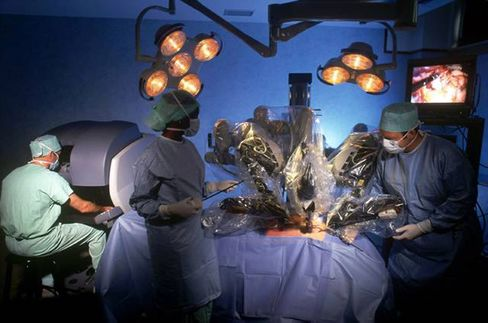 Intuitive Surgical Robots Probed by U.S. in Surgeon Survey