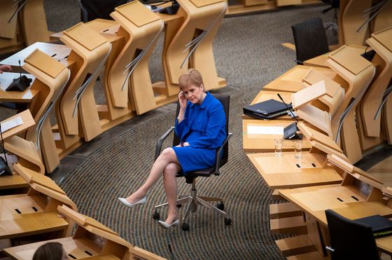 Sturgeon Wants Scots Independence Vote Early in Next Parliament