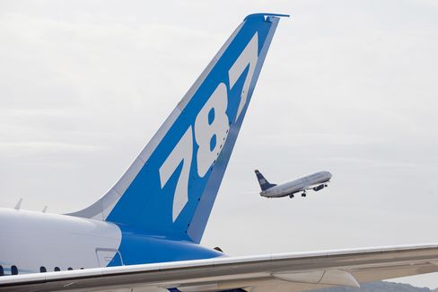 Boeing Faces Last Dreamliner-Takeoff Hurdle With No-Rush FAA