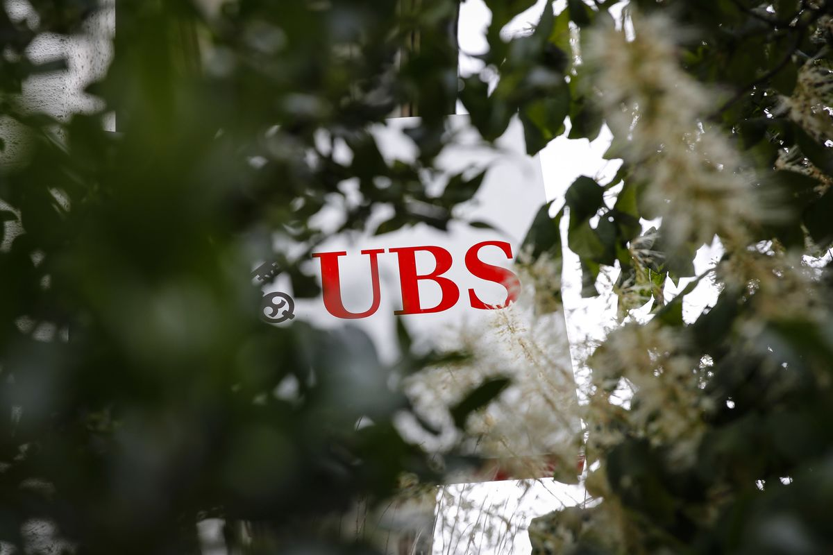 UBS Considers Workplace Changes in U.S. After Staff Feedback thumbnail