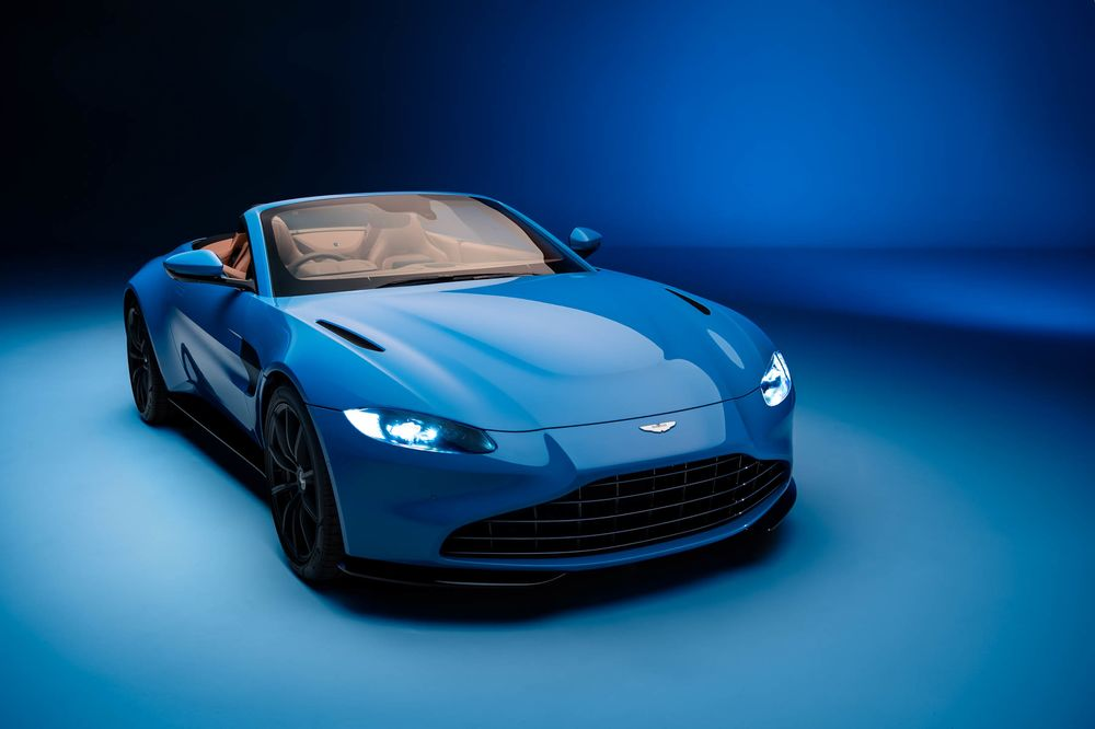 2021 Aston Martin Vantage Roadster Fastest Convertible Roof Bloomberg