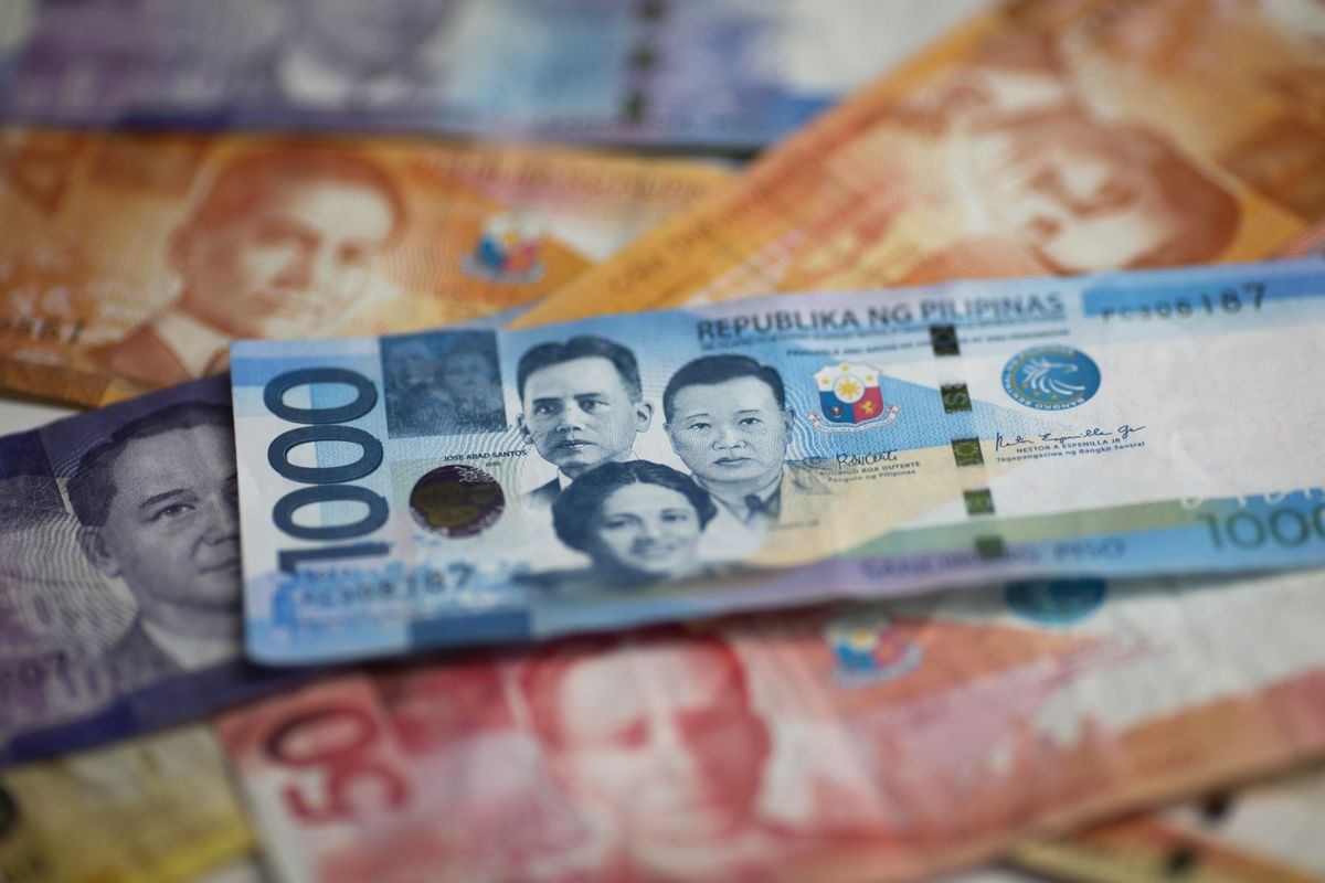 Philippine Peso's Best Day in 5 Years Came After Steady Policy