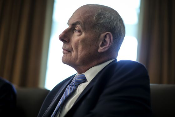 Trump Chief of Staff Kelly to Stay Through Jan. 2, Conway Says