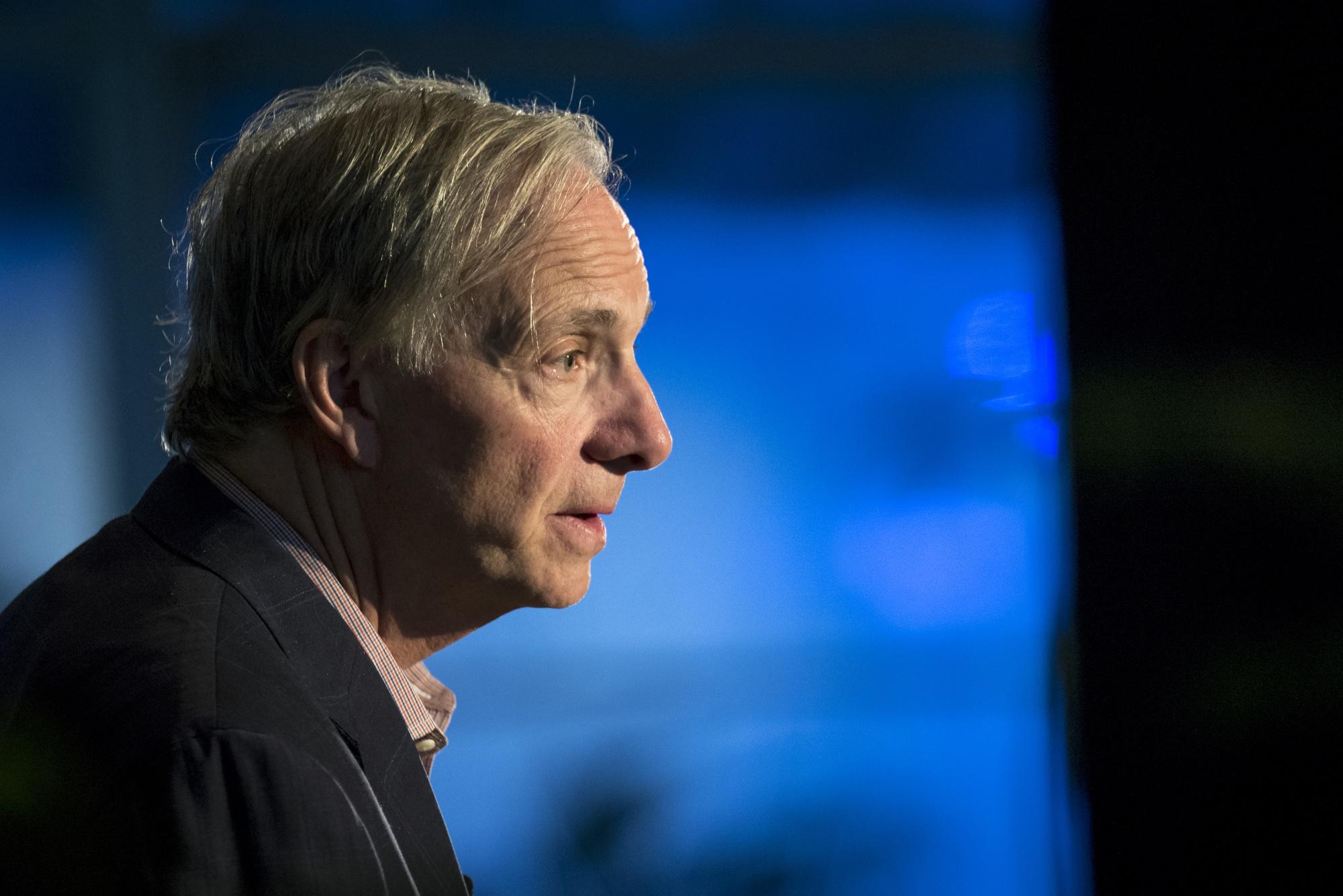 ダリオ氏の一族とヘッジファンドが11億円寄付-ウイルス対策支援 - Bloomberg