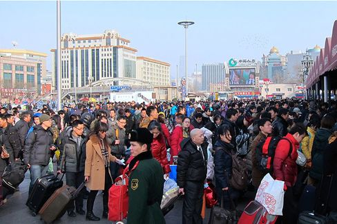 Watching the World's Largest Human Migration as China Goes Home for the Holidays